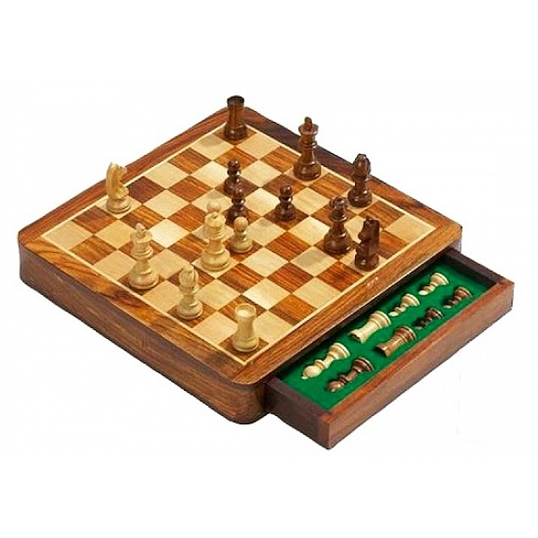 Magnetic chess set exclusive