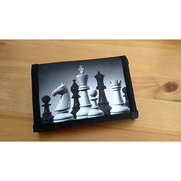 Chess wallet