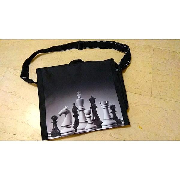 Chess carrying shoulder bag